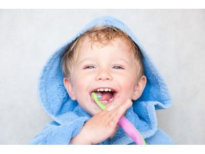 Детская зубная щетка: как правильно выбрать?